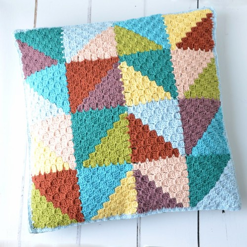 C2C Pastel Triangles Pillow - Free Pattern
