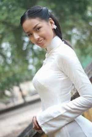 Mai Phuong Thuy wanita seksi bugil asia