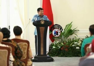 Wapres RI Serahkan APE 2016,Untuk Wali Kota Makassar