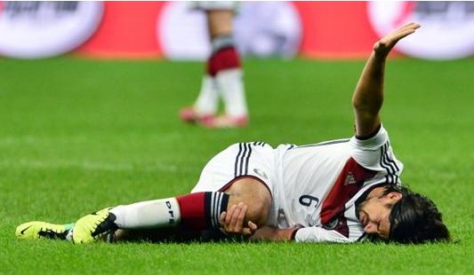 Sự nghiệp của Khedira đã bị ảnh hưởng khá nhiều bởi các chấn thương
