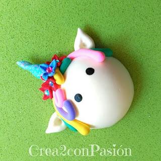 Diademas-vinchas-de-unicornio-con-pasta-flexible-y-cintas-plisadas-Crea2-con-Pasión-pintar-ojos-acrílicas