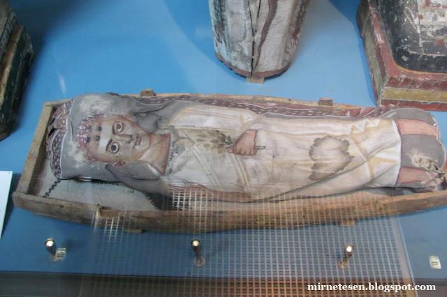 Британский национальный музей - египетский зал, мумии