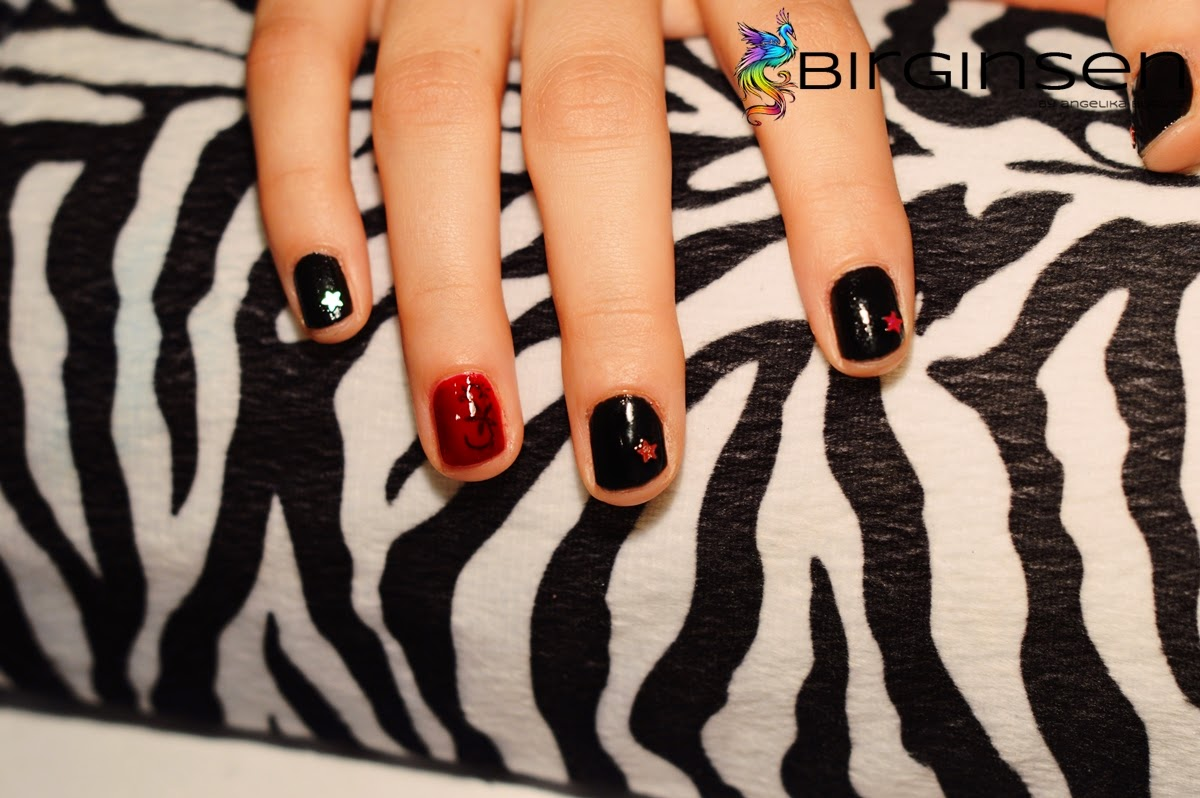 glam rock manicure