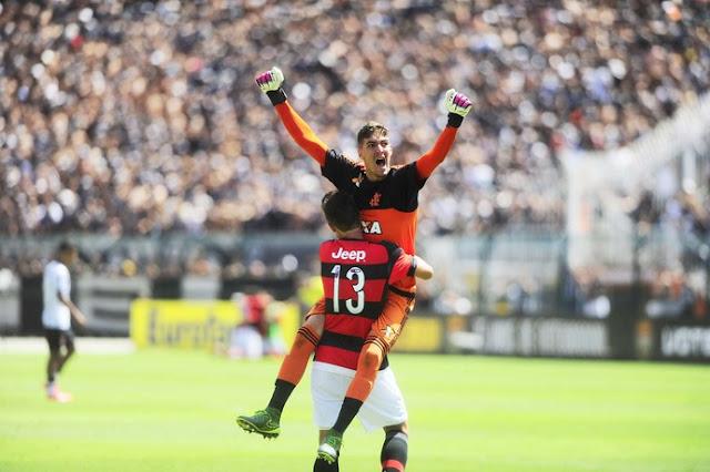 3c248fb81c De forma emocionante o Flamengo conquistou o tricampeonato da Copa São Paulo  de Futebol Júnior ao vencer