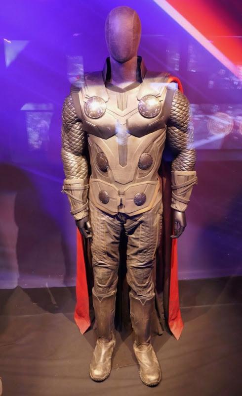 Chris Hemsworth Avengers Infinity War Thor movie costume