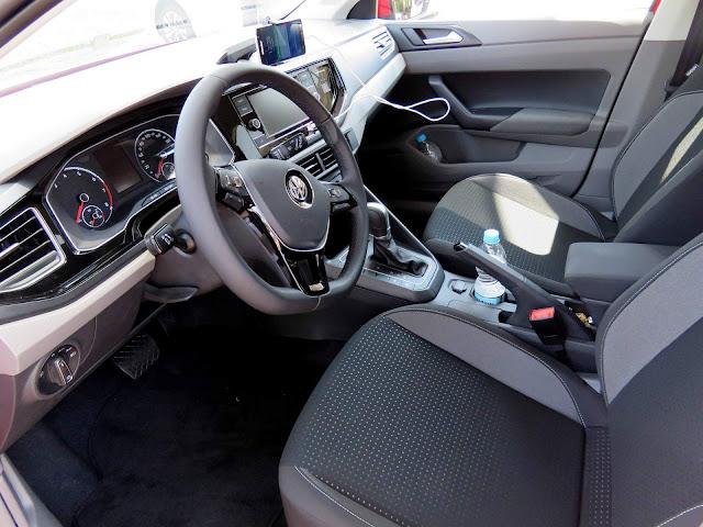 VW Polo 2018 Comfortline Automático - interior