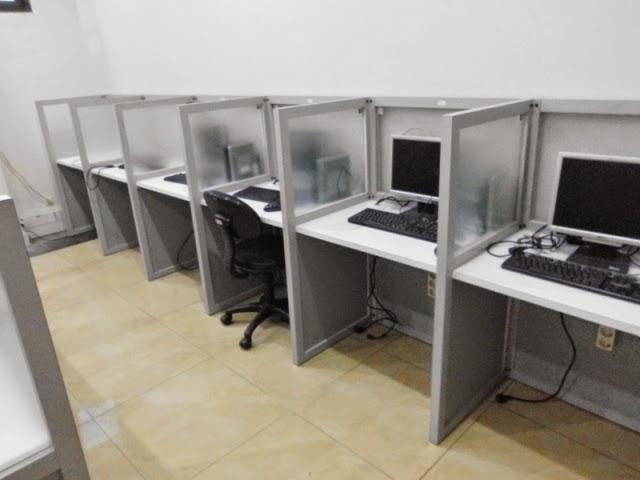 Meja Sekat Kantor Cubicle Knockdown Untuk Ratusan Staff
