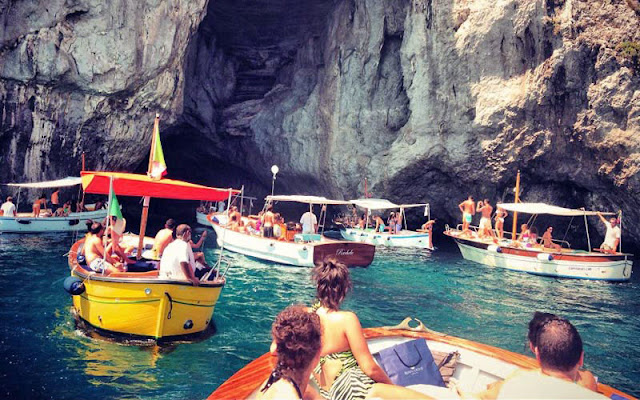 Passeio de barco em Amalfi