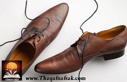 2a1e20e065147 تجدر الأشارة إلى إن الأحذية الرجالية المدببه هذه تسبب للرجال نفس المخاطر  التي يسببها للنساء بما في ذلك التورمات والآلام والتشوهات العظمية.