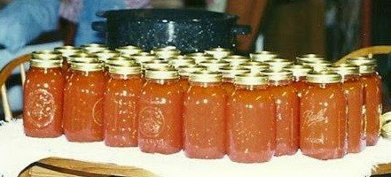 Beautiful canned tomatoes from Walking on Sunshine Recipes.
