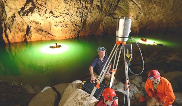 Medição da maior câmara subterrânea do mundo