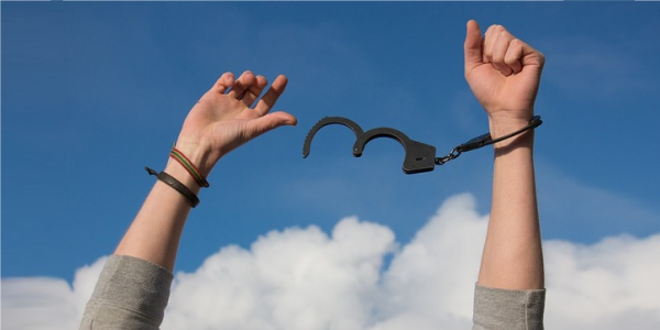 45 Kata Kata Caption Bijak Tentang Kebebasan dalam Hidup