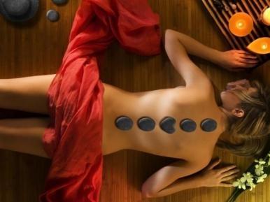 Dāvana sievietei - eksotiskā karsto akmeņu masāža