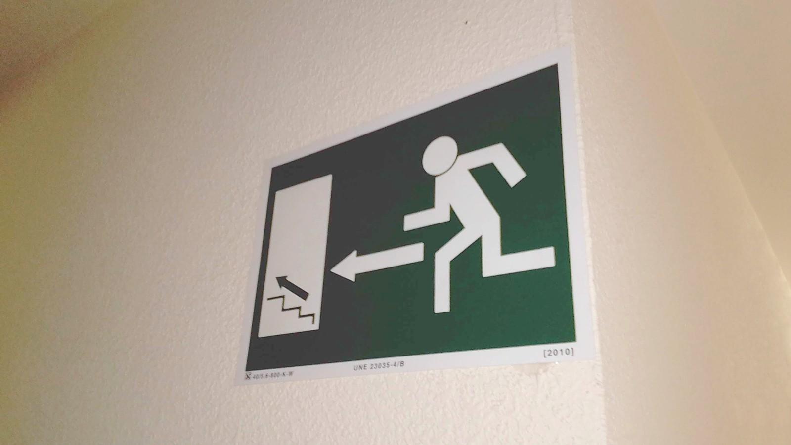 ite iscar señal evacuacion
