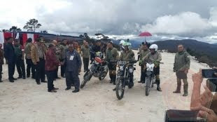 TNI dan Kementerian PUPR Bangun Jalan Trans Papua 4.300 Km