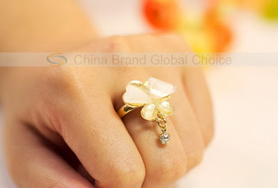 Ablaze Variable Silvering Ring with Butterfly Shaped Adornment (White)