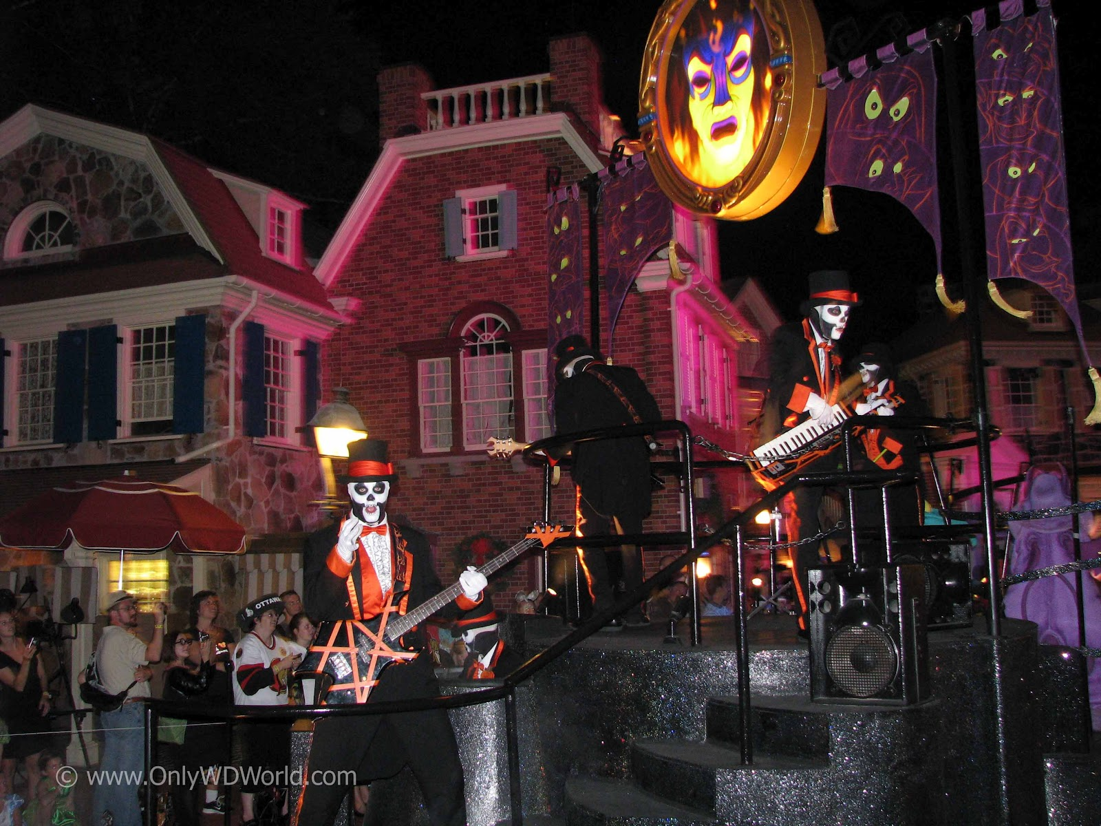 mickeys not so scary halloween party has returned to the magic kingdom at the walt disney world resort for 23 nights of halloween fun