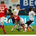 FIFA multa a Rusia por burlas racistas contra jugadores franceses negros