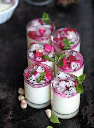 Sữa chua thanh long
