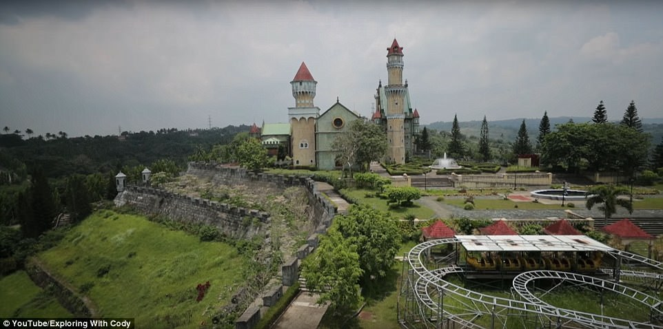 Fantasy World Lemery, Batangas