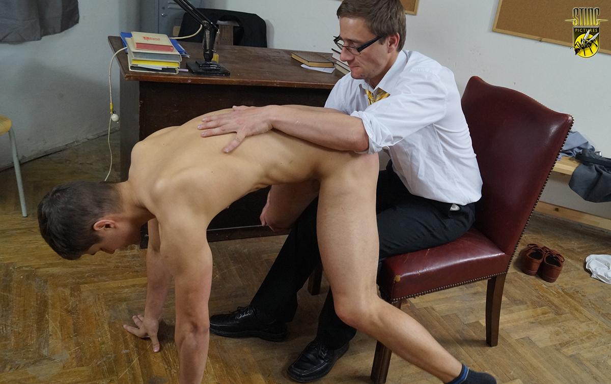 Keep spanked bottom stinging