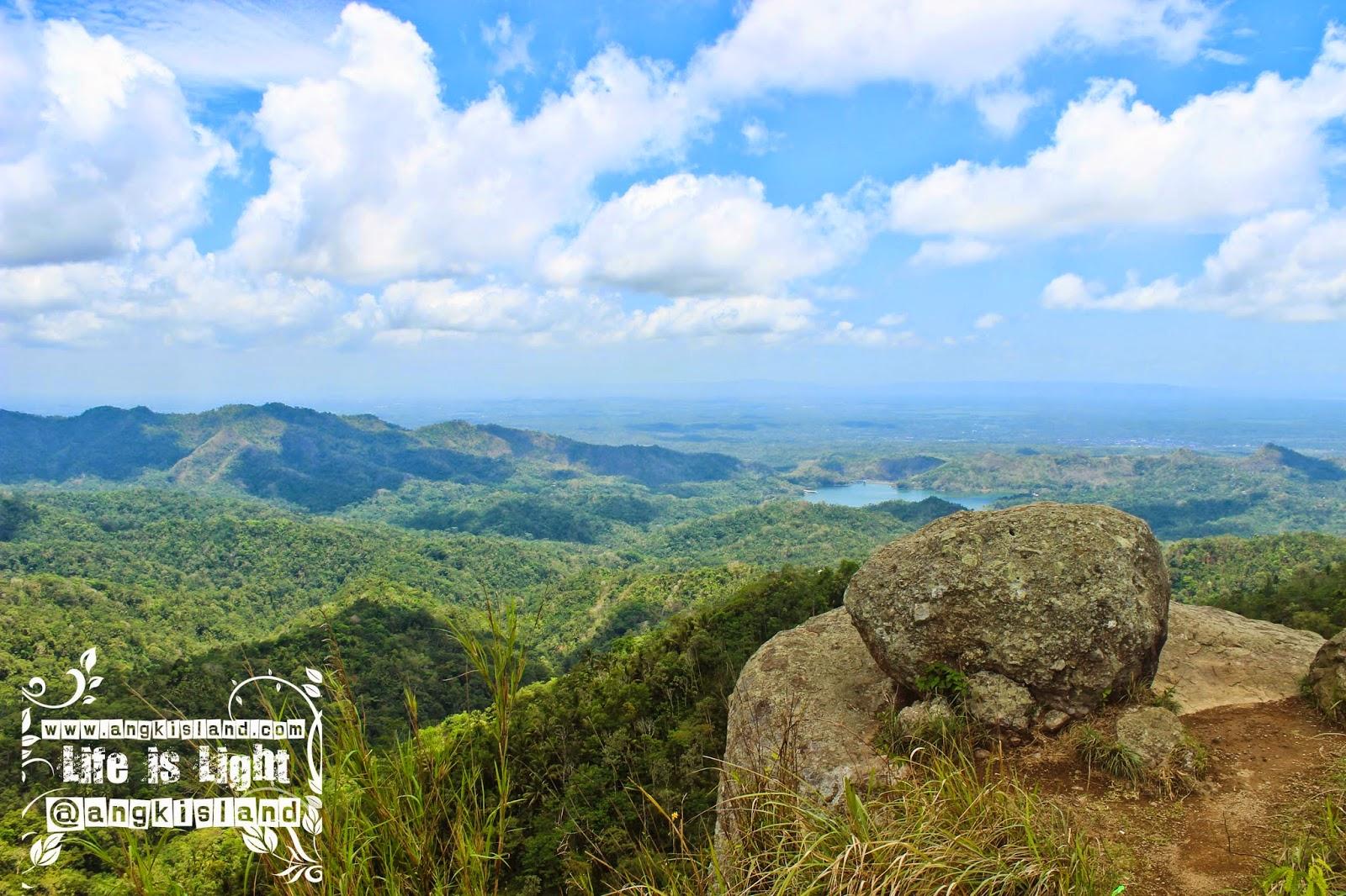 menikmati gunung Ijo dari atas
