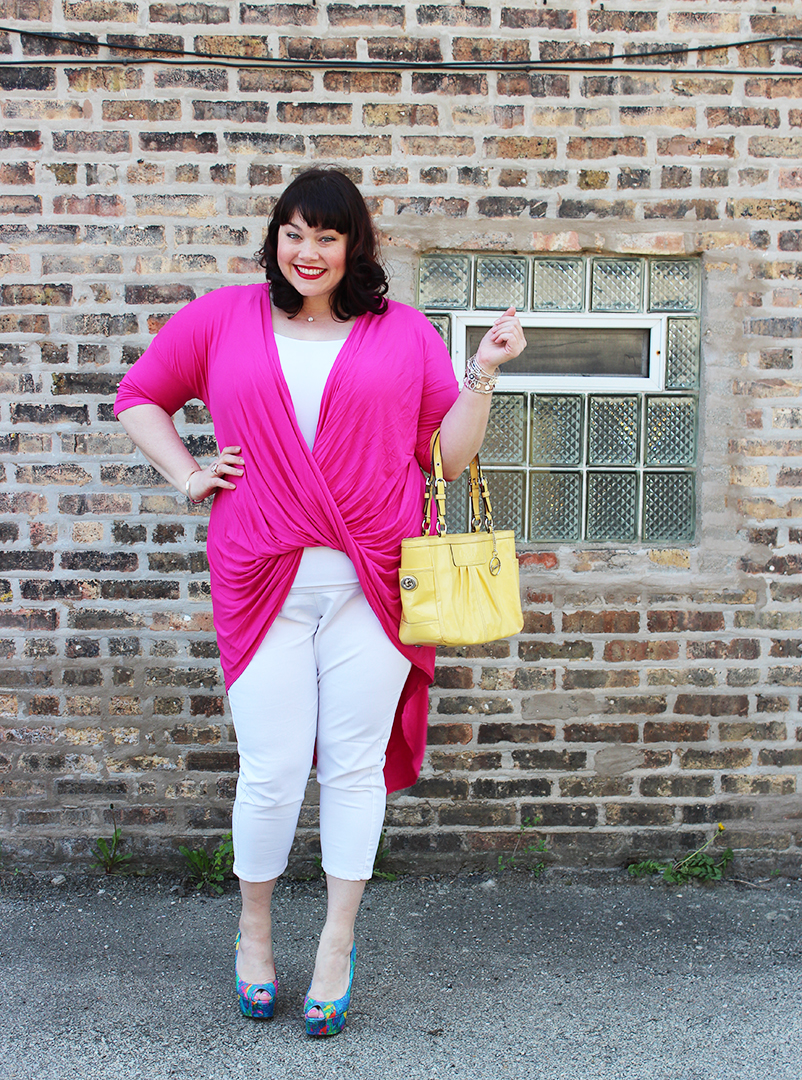 Plus size model Amber from Style Plus Curves in a Pink top and White Jeggings from Yours Clothing UK
