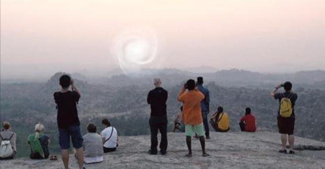 Ύποπτη ΑΣΤΡΟΠΥΛΗ «άνοιξε» ΣΤΗΝ ΙΝΔΙΑ (video)