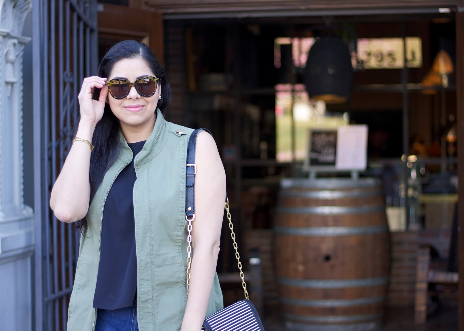 cabi utility vest, brunette fashion blogger, how to wear a utility vest for women
