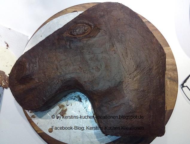 Kerstins Kuchen Kreationen: Pferdetorte - Pferdekopftorte