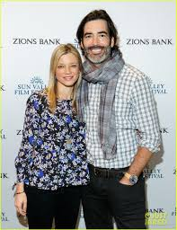 Amy Smart Defends Husband Carter Oosterhouse