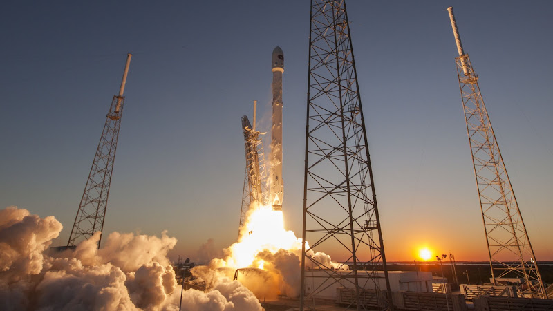 SpaceX - Sky Is Not The Limit 4K