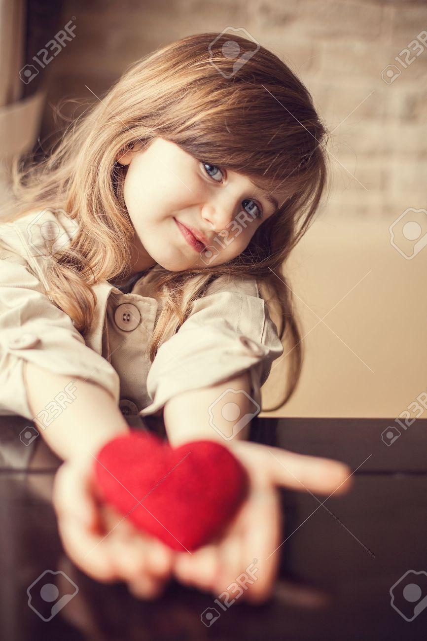 Cute Child Love Wallpaper Cute Pics For Dpz Impremedia Net