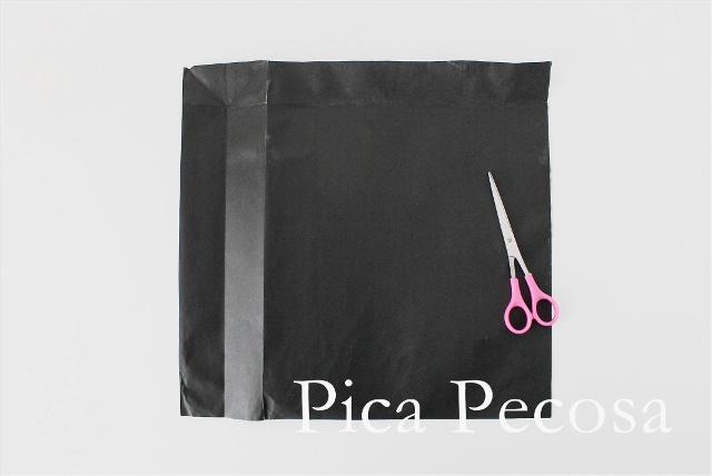 como-hacer-sombrero-bruja-halloween-diy-bolsa-papel-reciclada-paso-2