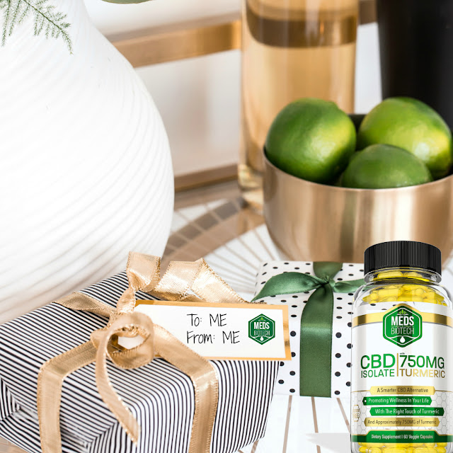 Meds Biotech CBD Capsules With Turmeric Review by Barbies Beauty Bits