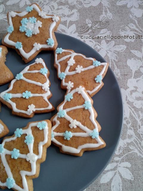 Biscotti Di Natale 1 Uovo.Una Cocotte Per Due Biscotti Di Natale Al Mielbio Rigoni Di Asiago