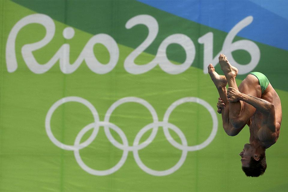 Brasileiro Hugo Parisi é eliminado nas semifinais dos saltos ornamentais. Foto: Reuters/Michael Dalder/Direitos Reservados