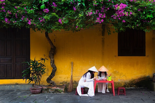Photographs of Hoi An by photographer Réhahn in top Travel Magazine in UK 1