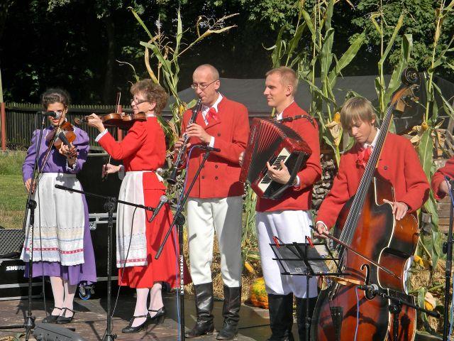 skrzypce, flet, grupa, skansen