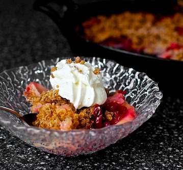 pear, cranberry and gingersnap crumble