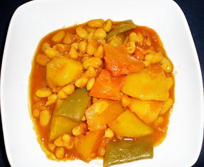 La Cocinera Novata Potaje de calabaza y judias verdes guiso legumbres vetetariana vegana receta plato gastronomia patatas economica barata light baja en calorias invierno