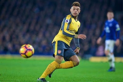 Arsenal being forced to sell Oxlade-Chamberlain before transfer window closes
