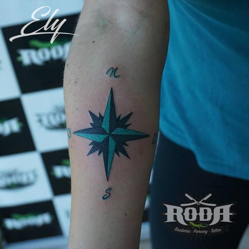 Tatuaje Rosa De Los Vientos Roda Body Art