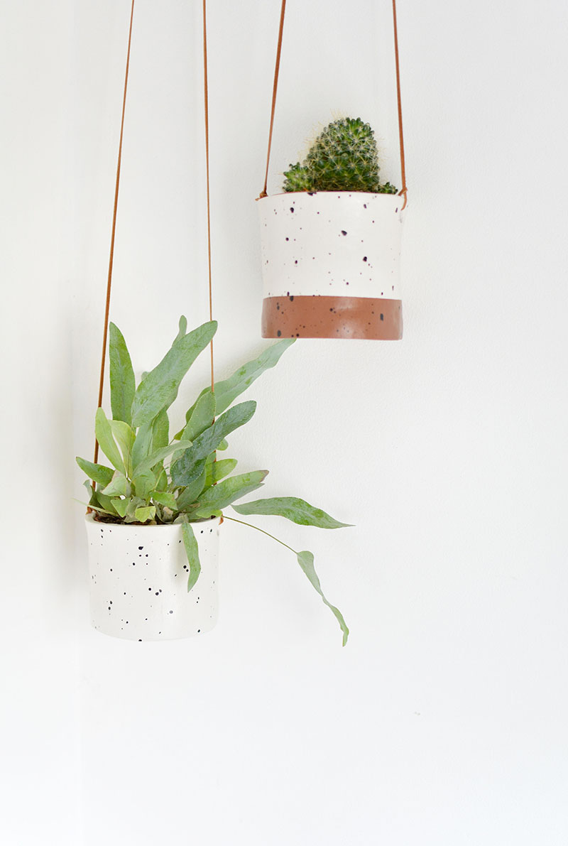 make some hanging planters with a realistic ceramic finish!
