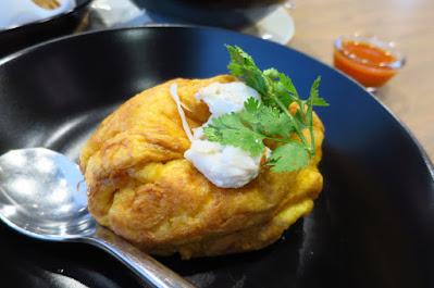 Bangkok, Kub Kao' Kub Pla, crab balloon omelette