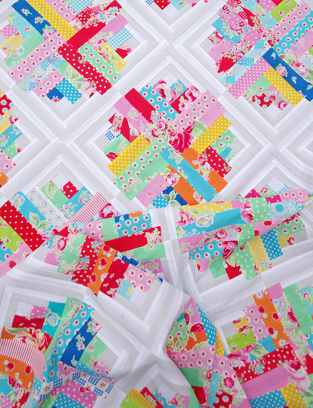 Curvy Log Cabin - Flower Sugar Quilt | Red Pepper Quilts