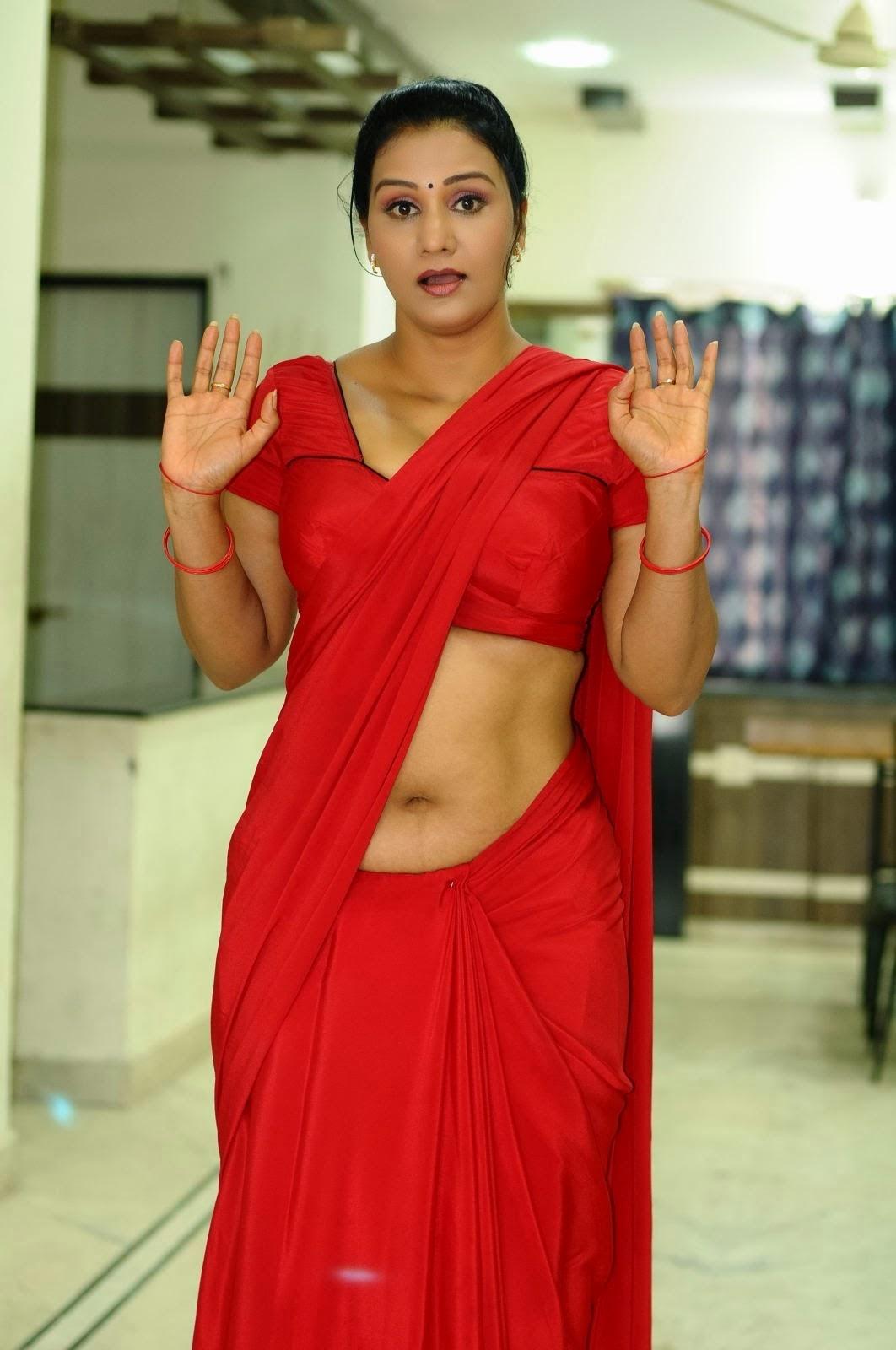 Apoorva Aunty Low Hip Red Saree Navel Show Hq Pics