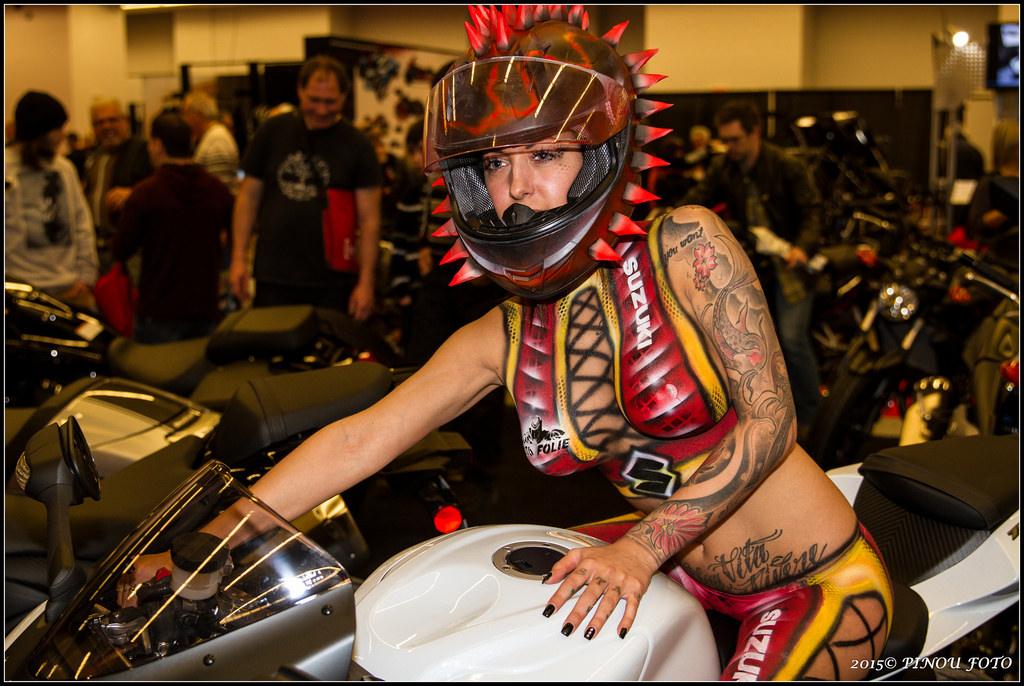 Mulheres com corpo pintado de moto, gostosa com corpo pintado na moto, babes on bike with body paint, Women on bike with body paint, sexy on bike, sexy on motorcycle, babes on bike, ragazza in moto, donna calda in moto,femme chaude sur la moto,mujer caliente en motocicleta, chica en moto,gatto, donna, sensuale, moto, caldo Katze, Frau, sinnlich, heiße Frau auf dem Motorrad,Женщина, сексуальная, мотоциклы, сексуальные, бикини