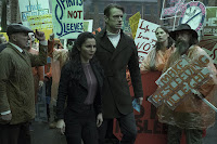 Joel Kinnaman and Martha Higareda in Altered Carbon Series