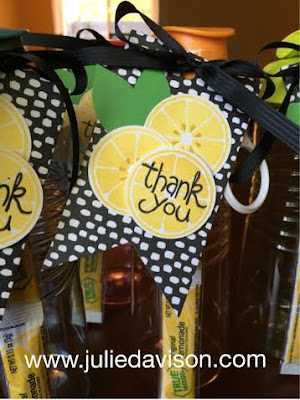 Stampin' Up! Apple of my Eye gift tag #stampinup Teacher Appreciation Week www.juliedavison.com
